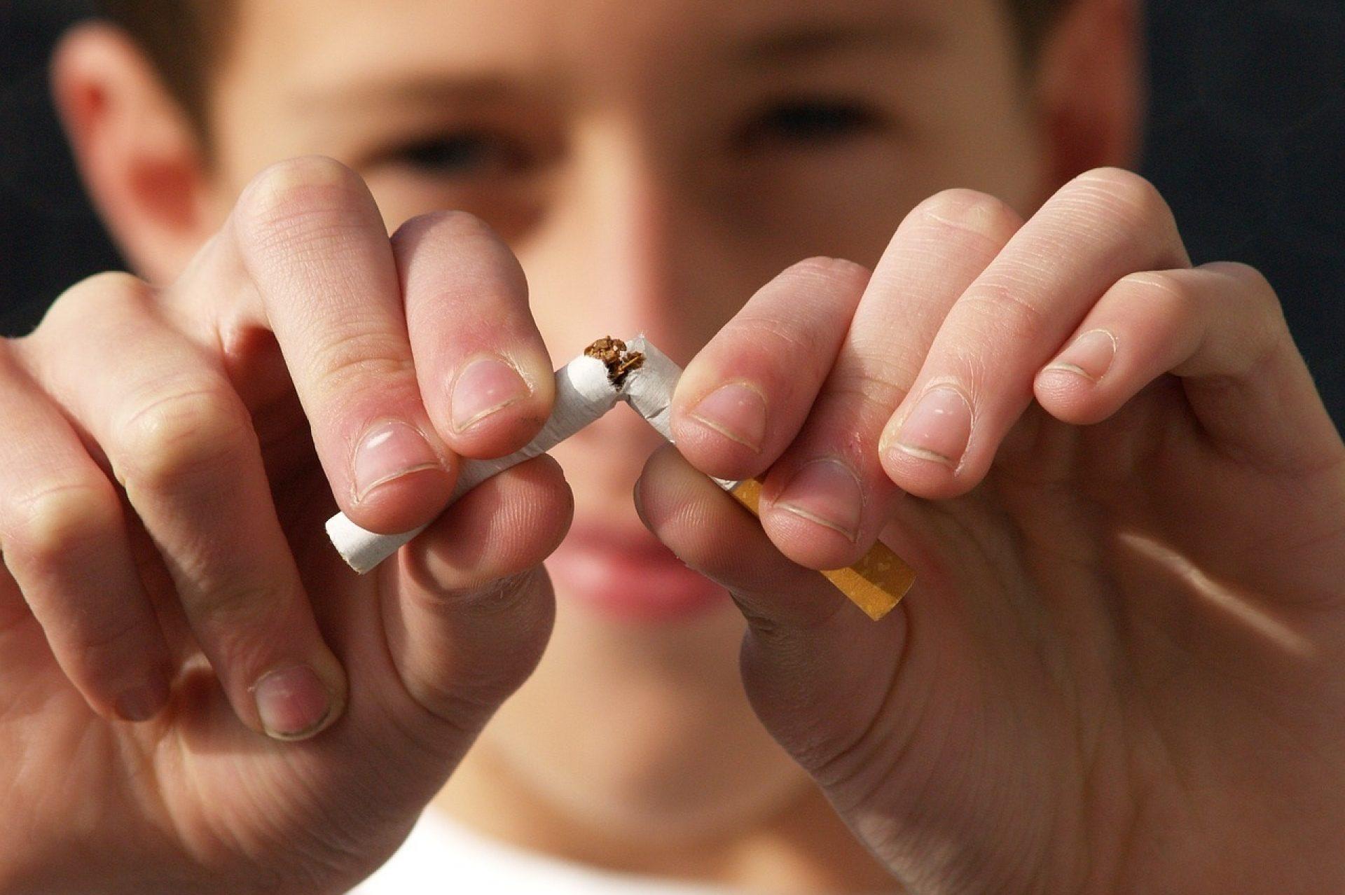 raucherentwoehnung_telefon_schluss_mit_rauchen